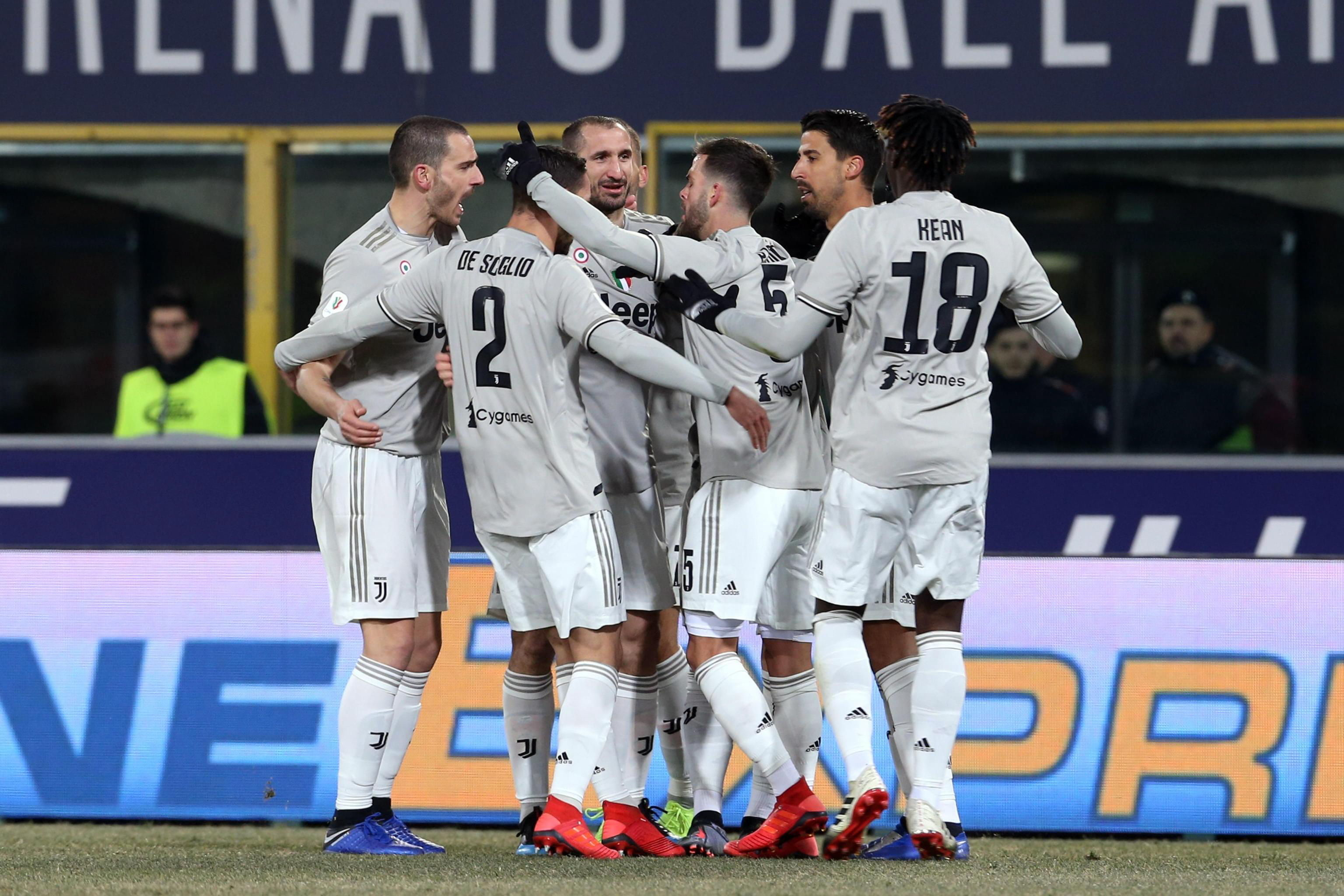 Los jugadores de la Juventus festejaron este sábado. (Foto Prensa Libre: EFE)
