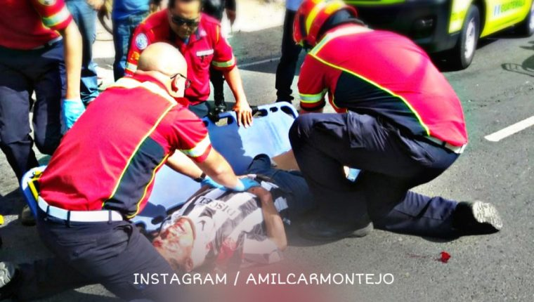 El ciclista Lizandro Cojulum fue atropellado en la Diagonal 6 y 19 calle zona 10. (Foto Prensa Libre: Amílcar Montejo/PMT)