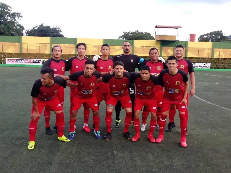 Rosario FC terminó jugando en San Miguel Petapa luego de un acuerdo con la empresa Golden Dreams GT,  que se hizo cargo del equipo. (Foto Prensa Libre: Cortesía)