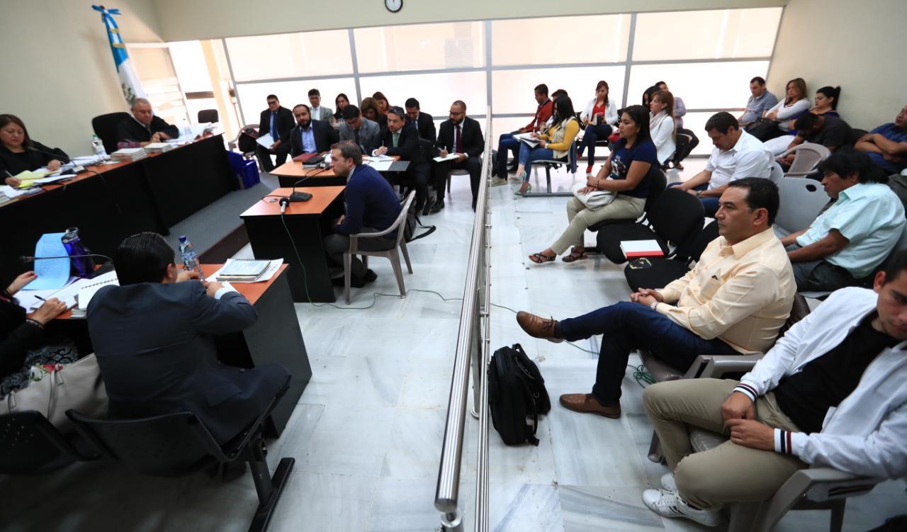 En el Tribunal Décimo Tercero Penal siguió el debate del caso Botín en el Registro de la Propiedad. (Foto Prensa Libre: Carlos Hernández)