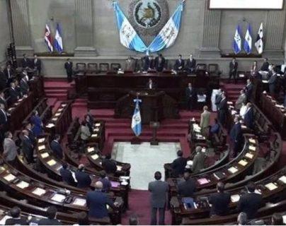 Diputados muestran opiniones divididas por propuesta de Iván Velásquez
