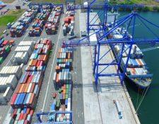 En la actualidad en el país operan tres puertos de carga. El sector de exportación e importación considera necesarias rutas cortas marítimas. (Foto, Prensa Libre: Hemeroteca PL):
