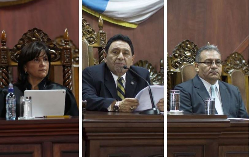 Los magistrados constitucionales Gloria Porras, José Francisco de Mata Vela y Bonerge Amílcar Mejía Orellana que fueron denunciados por la PGN. (Foto Prensa Libre: Elaboración propia)