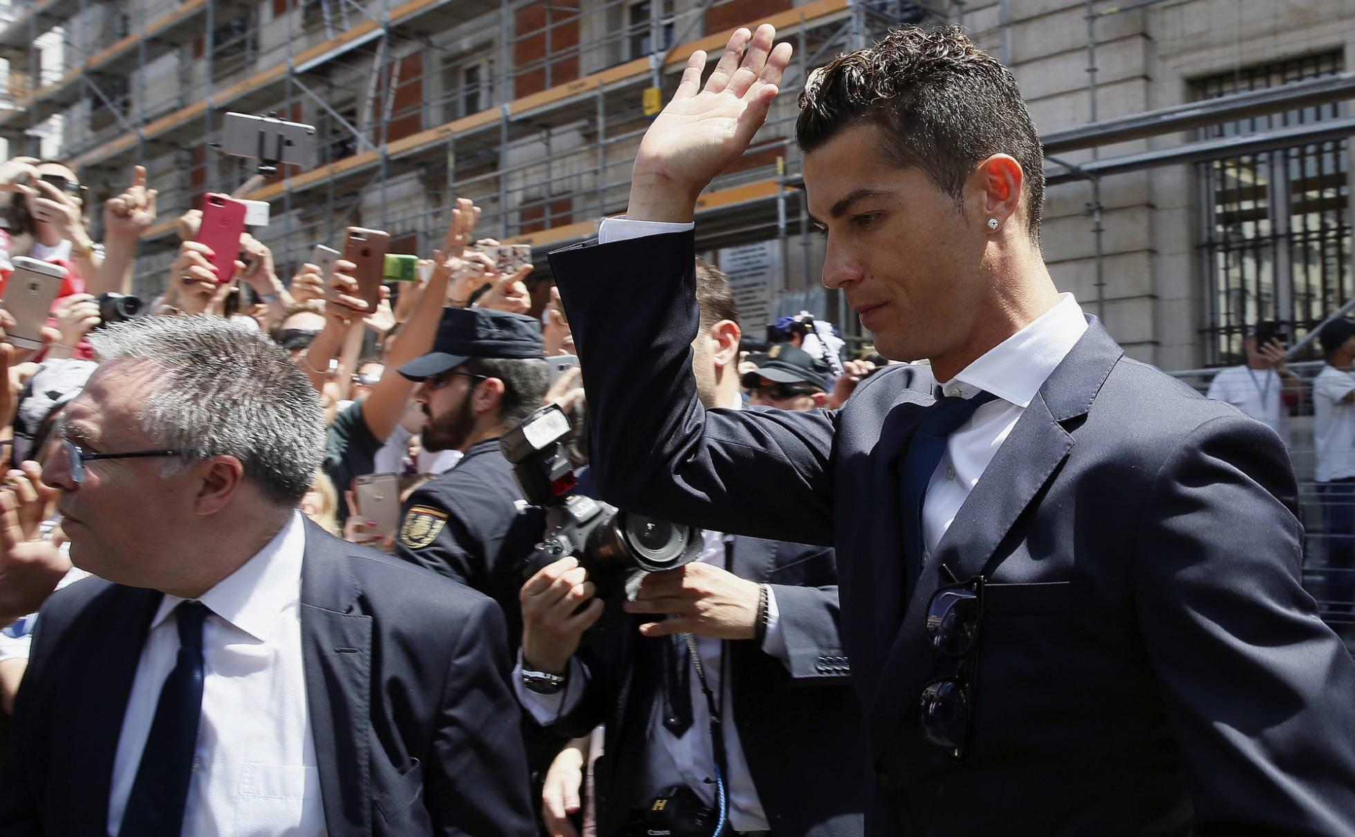 El delantero portugués Cristiano Ronaldo será condenado el martes en España por delito fiscal. (Foto Prensa Libre: EFE)