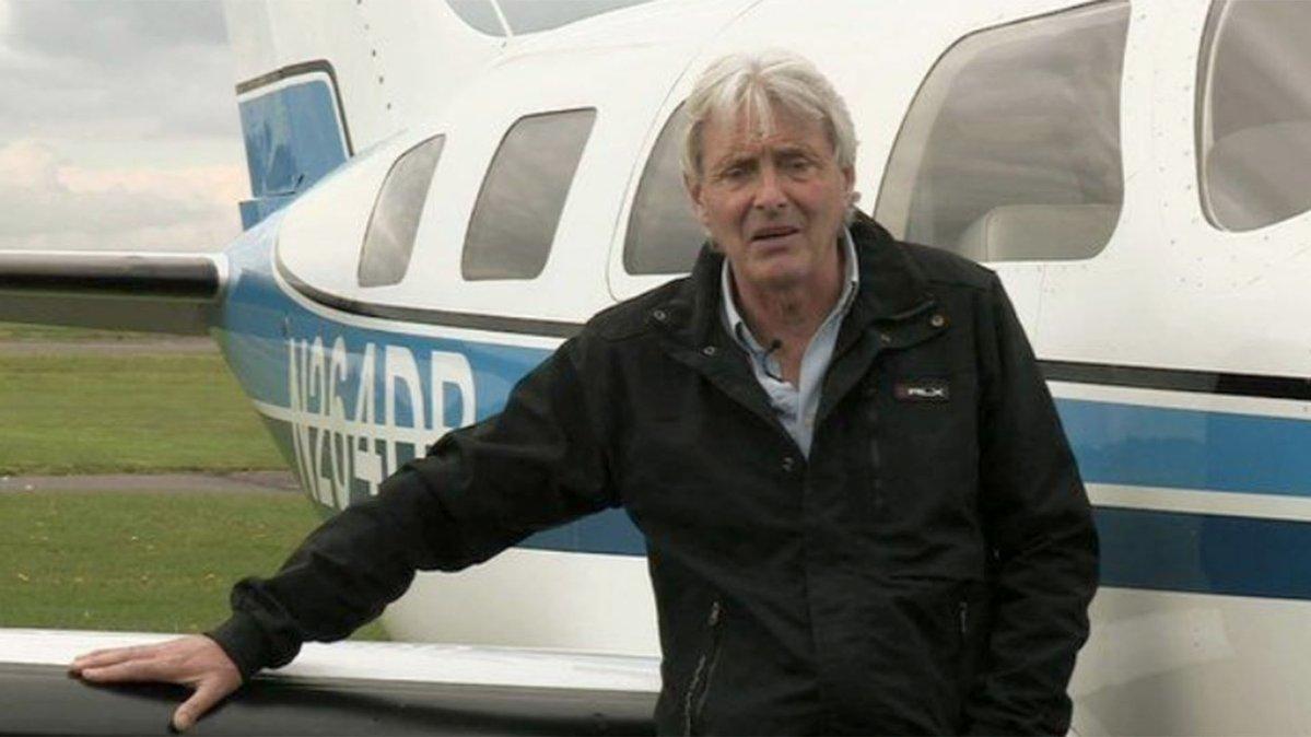 Esta es una de las imágenes que circulan del piloto Dave Henderson. (Foto Prensa Libre: Internet).