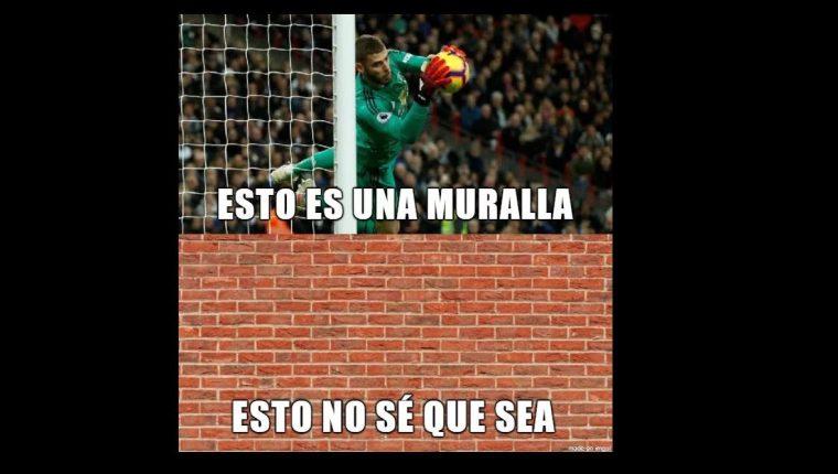 Las redes se llenaron de memes a favor de De Gea. (Foto Prensa Libre: Twitter)