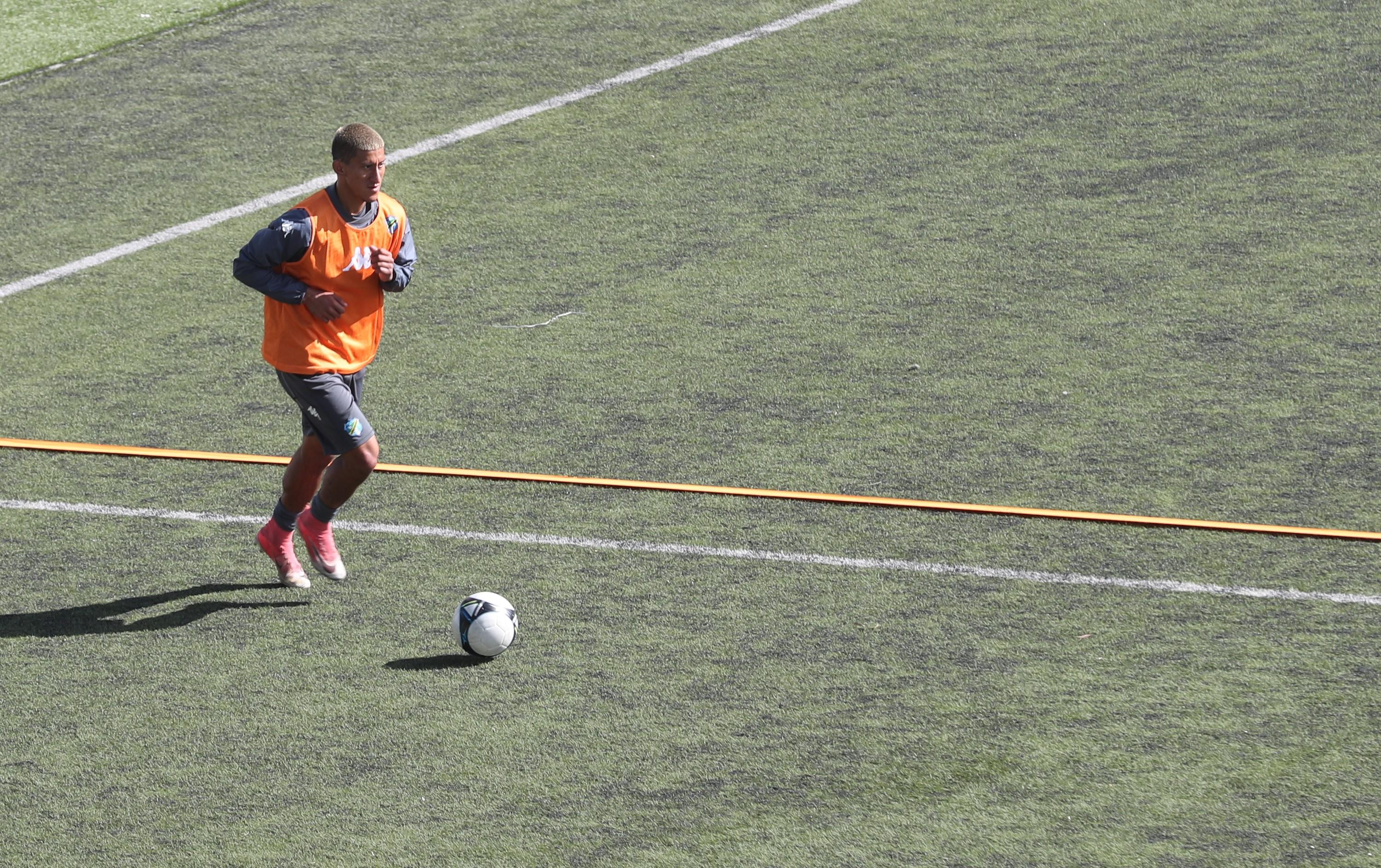 Stheven Robles es uno de los nuevos volantes con los que cuenta Comunicaciones para el Clausura 2019 (Foto Prensa Libre: Edwin Fajardo)