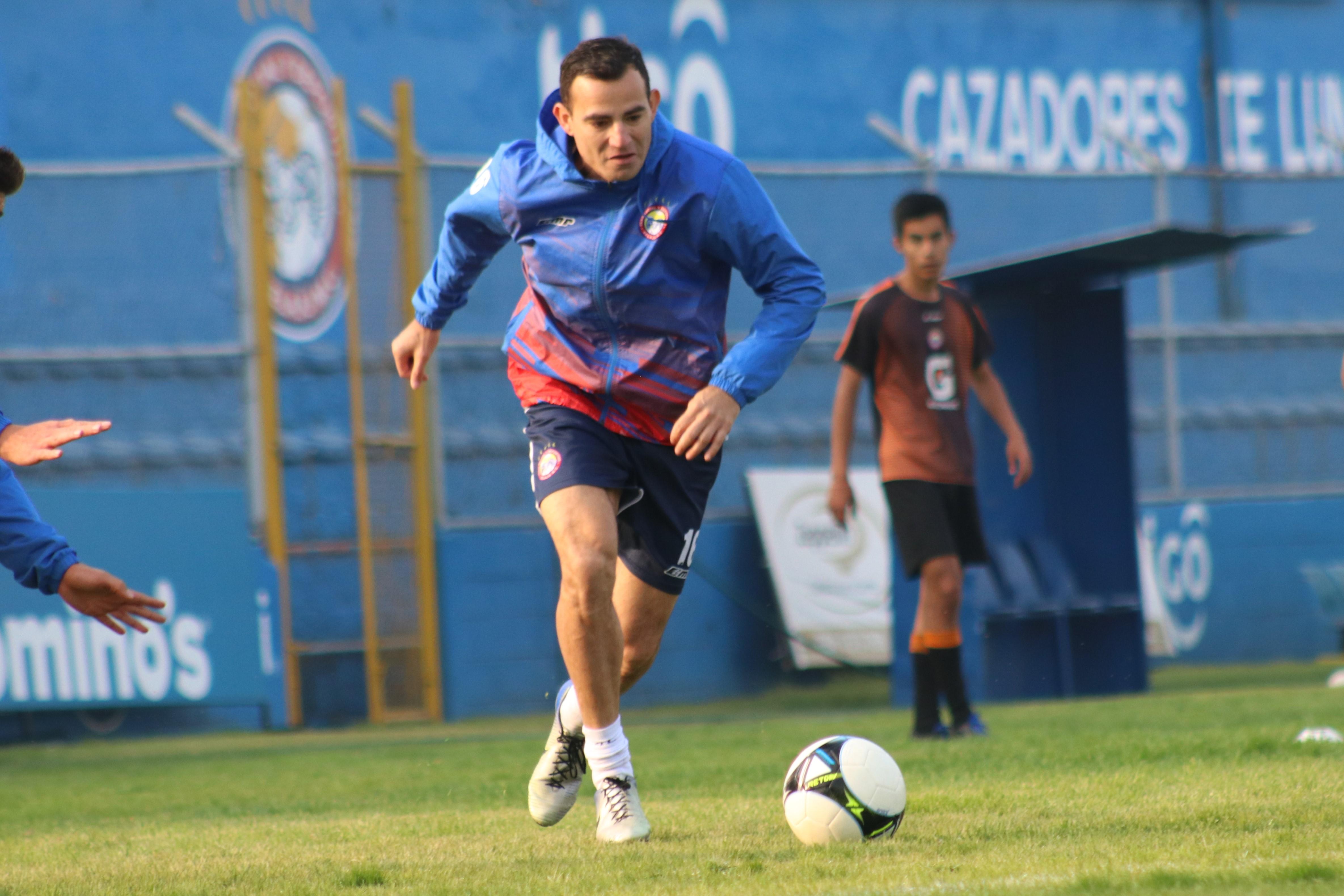 Marco Pablo Pappa  durante el entrenamiento de ayer en el estadio Mario Camposeco,  donde mañana el equipo de Xelajú MC recibirá  a Antigua GFC, en la quinta jornada del Clausura 2019. (Foto Prensa Libre: Raúl Juárez)