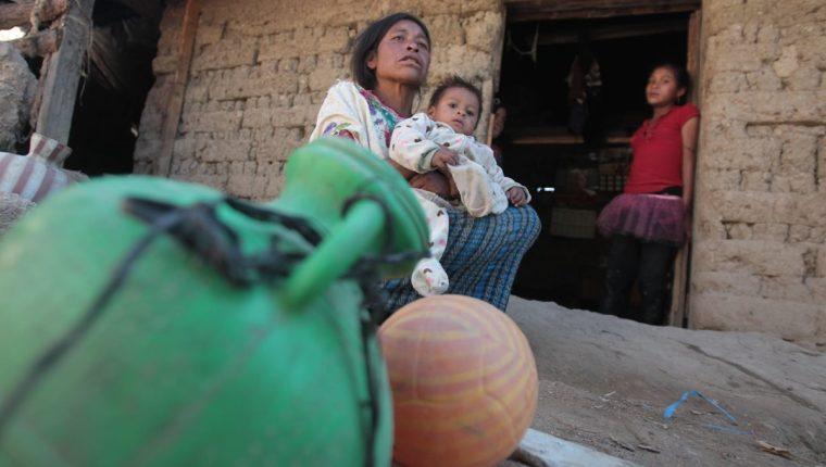 Danilo Ramírez, de 3 años, sufre desnutrición aguda y crónica. Niños como él serán atendidos en los programas financiados por Crecer Sano. (Foto Prensa Libre: Hemeroteca PL)