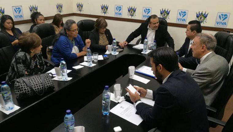 Los miembros de la Comisión de Derechos Humanos acordaron citar al procurador de los Derechos Humanos para que rinda su informe ante el Pleno. (Foto Prensa Libre: Congreso)