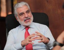 Carlos Contreras presidente de la junta directiva del IGSS, informó que el plan maestro de inversión es de Q3 mil millones. (Foto Prensa Libre: Juan Diego González)