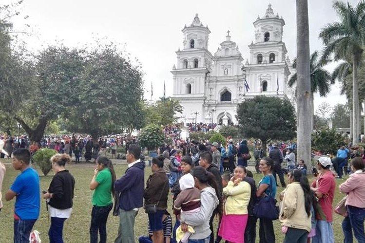 Miles de fieles se darán cita el próximo martes en la Basílica de Esquipulas para venerar al Cristo Negro. (Foto Prensa Libre: Hemeroteca PL).