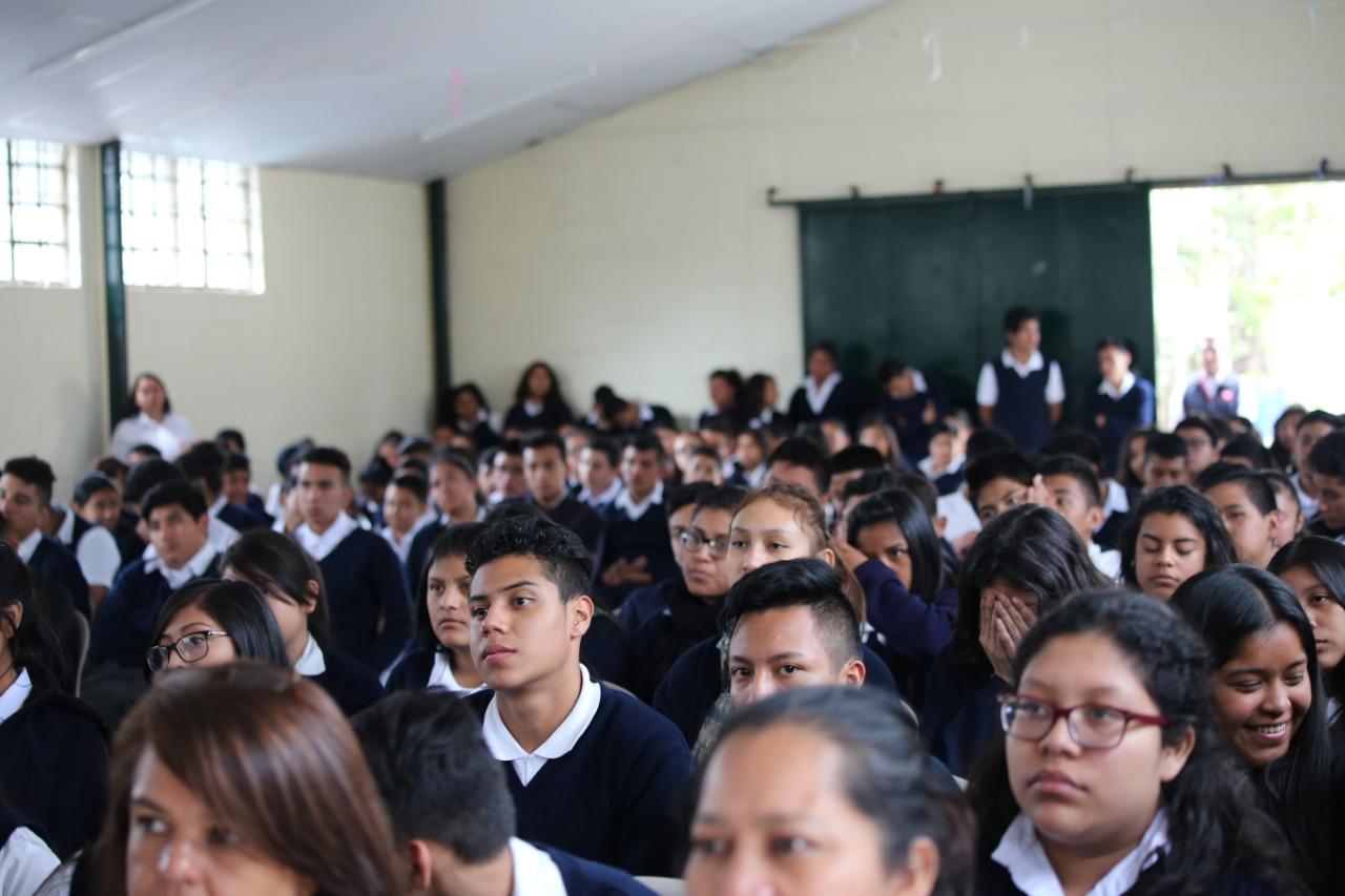 Unos mil estudiantes de las Escuelas Fe y Alegría se quedaron sin profesor, por lo que no han podido iniciar las clases. (Foto Prensa Libre: Cortesía)