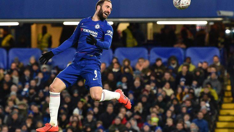 Gonzalo Higuaín debutó con la camiseta del Chelsea. (Foto Prensa Libre: AFP)