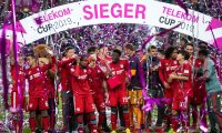 Bayern Munich's players celebrate winning the Telekom Cup football final match between FC Bayern Munich and Borussia Moenchengladbach on January 13, 2019 at the Merkur-Spielarena stadium in Duesseldorf, western Germany. (Photo by Marius Becker / dpa / AFP) / Germany OUT