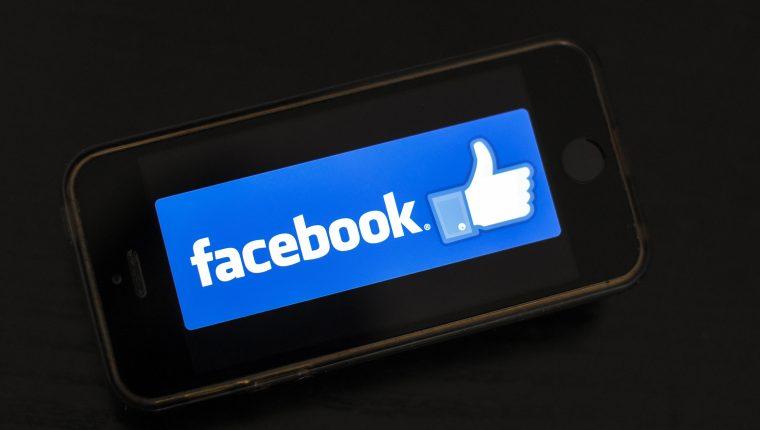 "Facebook pagó a usuarios, incluidos adolescentes, para ""espiar"" sus teléfonos (Foto Prensa Libre: AFP)."