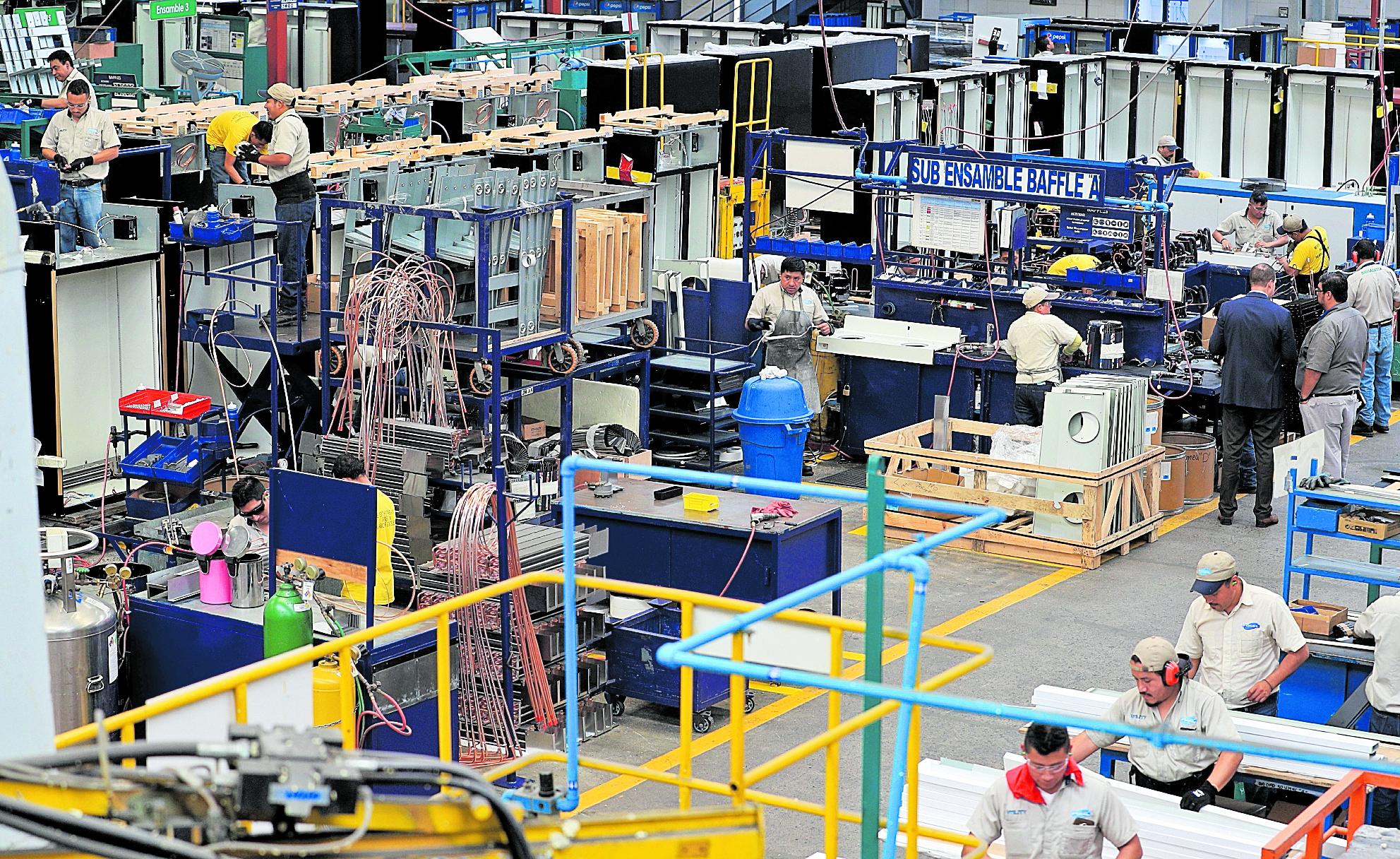 Empresarios industriales pidieron a las agrupaciones políticas progamas para reactivar la producción nacional. (Foto Prensa Libre: Hemeroteca)