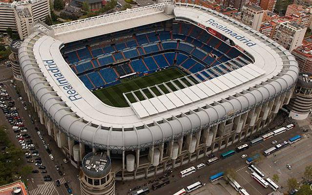 El estadio Santiago Bernabéu es el escenario del partido entre el Real Madrid y el Sevilla. (Foto Prensa Libre: AFP)