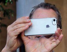 Las fotos contienen metadatos que cuentan detalles sobre tu vida (ROBERT ALEXANDER/GETTY IMAGES)