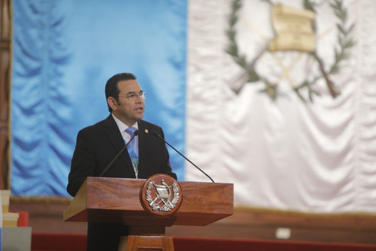 El presidente Jimmy Morales ofrece su discurso durante el saludo de Año Nuevo de parte del cuerpo diplomático. (Foto Prensa Libre: Presidencia)