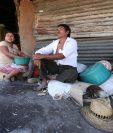 José Dolores Agustín y su esposa esperan que el invierno del 2019 sea mejor. (Foto Prensa Libre: Esbin García)