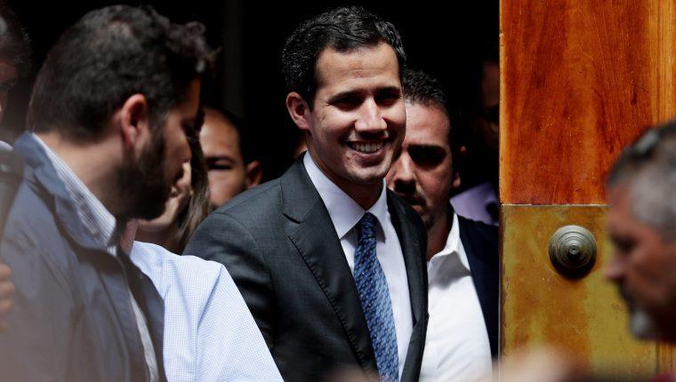 Si en ocho días no se convoca a elecciones,  Juan Guaidó sería reconocido como presidente de Venezuela. (Foto Prensa Libre: EFE)
