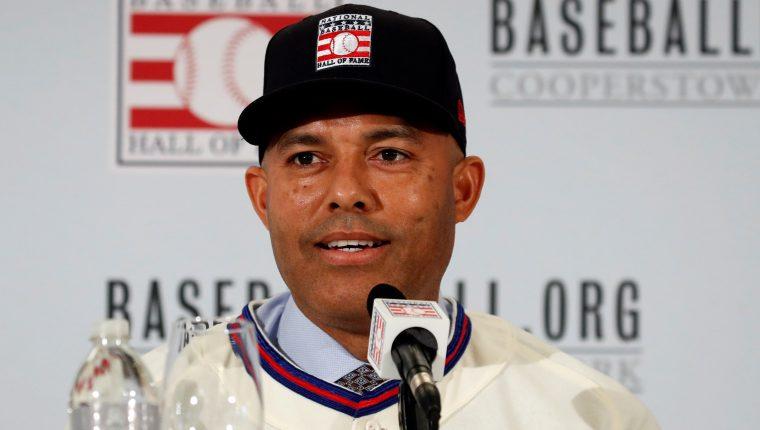 JSX01. NEW YORK (ESTADOS UNIDOS), 23/01/2019.- Mariano Rivera de los Yankees de Nueva York habla durante una rueda de prensa sobre el espacio que tendrá en el Muro de la Fama de Béisbol en el St. Regis Hotel en Nueva York (Estados Unidos). EFE/JASON SZENES