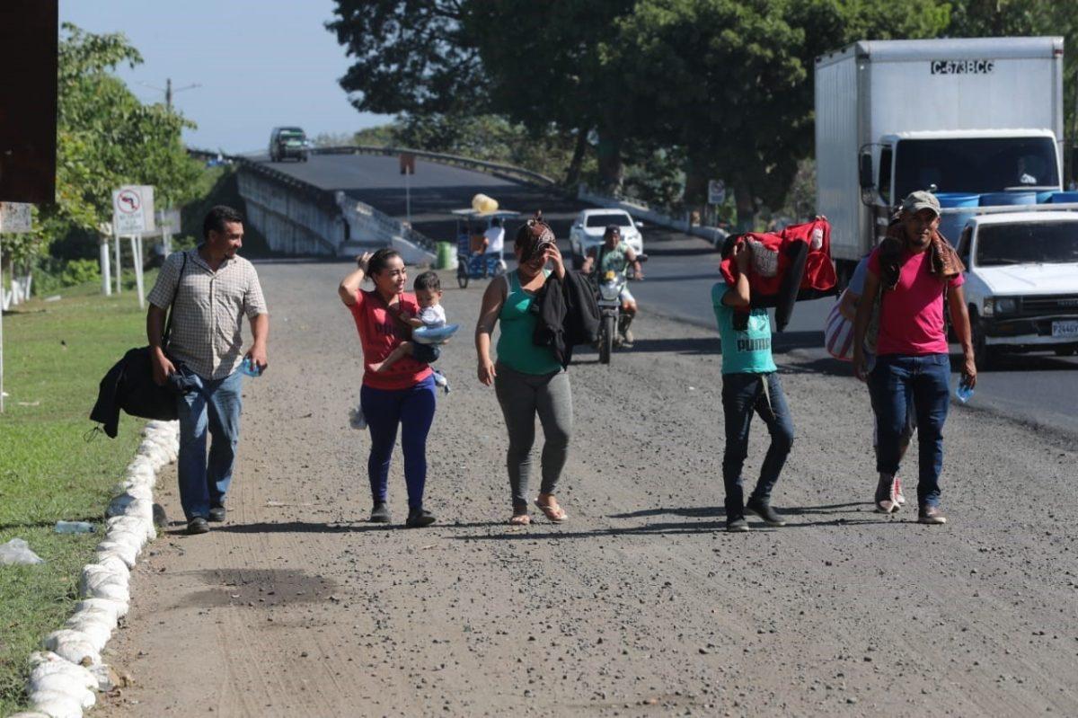 Migrante hondureña dio a luz en Guatemala en caravana de migrantes a EE. UU.