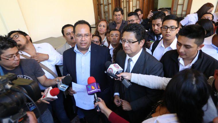Dirigentes del partido son optimistas con que podrán proclamar candidatos para estas elecciones. (Foto Prensa Libre: Esbin García)