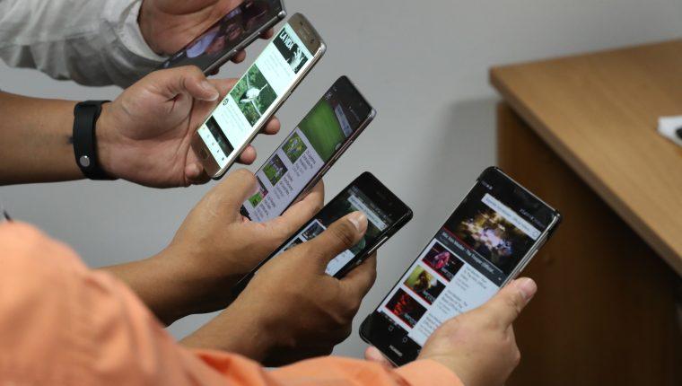 El mercado se ha visto afectado por los consumidores que esperan más tiempo para reemplazar sus teléfonos. (Foto Prensa Libre: Hemerotecca)