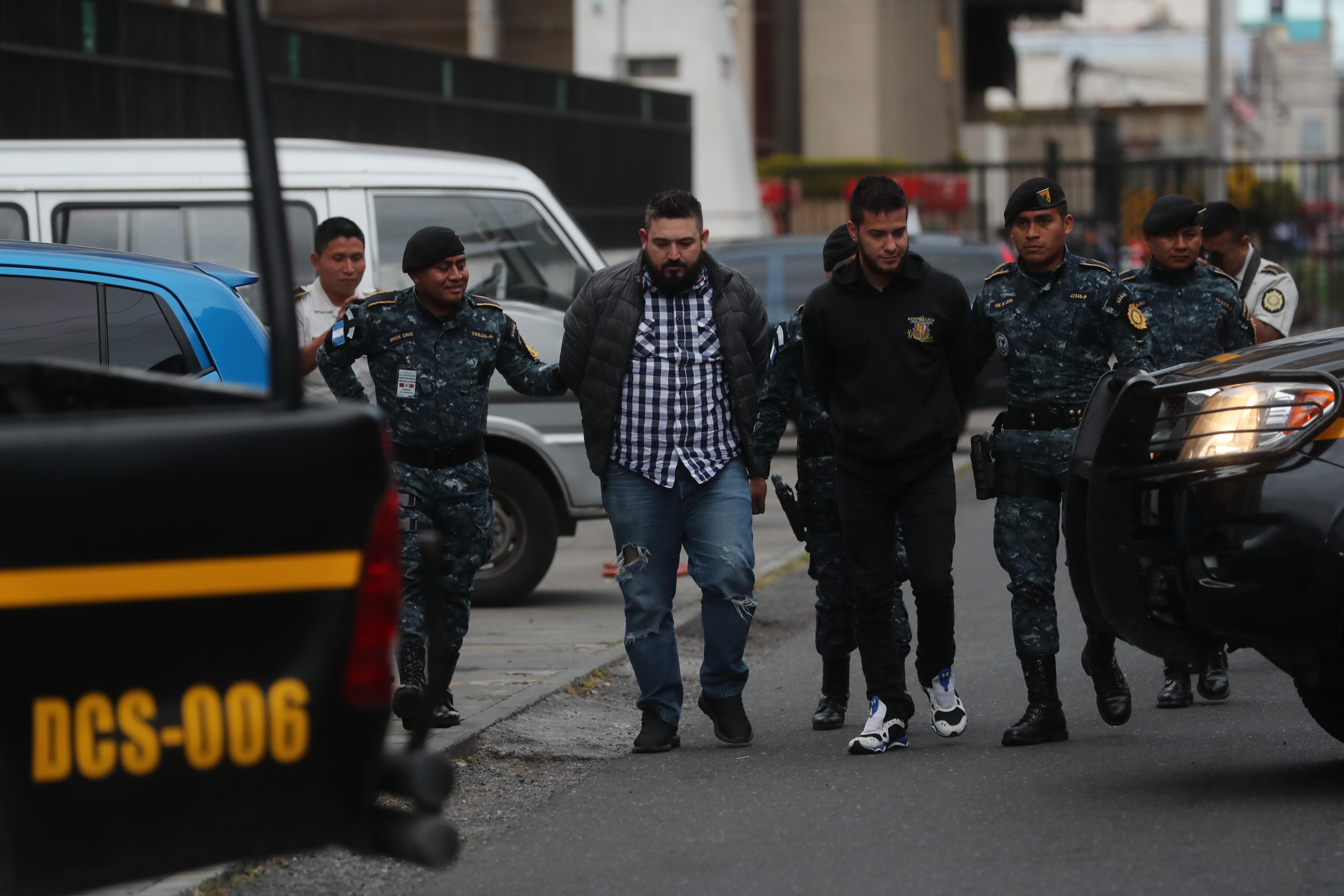 Dos personas son detenidas en el aeropuerto internacional la Aurora a quienes les decomisaron d—lares por declararlos ante migraci—n los detenidos son parte de la agrupaci—n de mœsica de banda la La Trakalosa de Monterrey.   Erick Avila                   14/01/2019