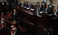 Los tres presidentes de los organismos del Estado estuvieron presentes en la lectura del tercer informe de gobierno. (Foto Prensa Libre: Hemeroteca PL)