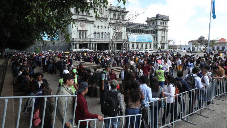 El Ministerio de Trabajo estimó que en el 2018 se generaron 60 mil nuevos empleos. (Foto Prensa Libre: Hemeroteca)