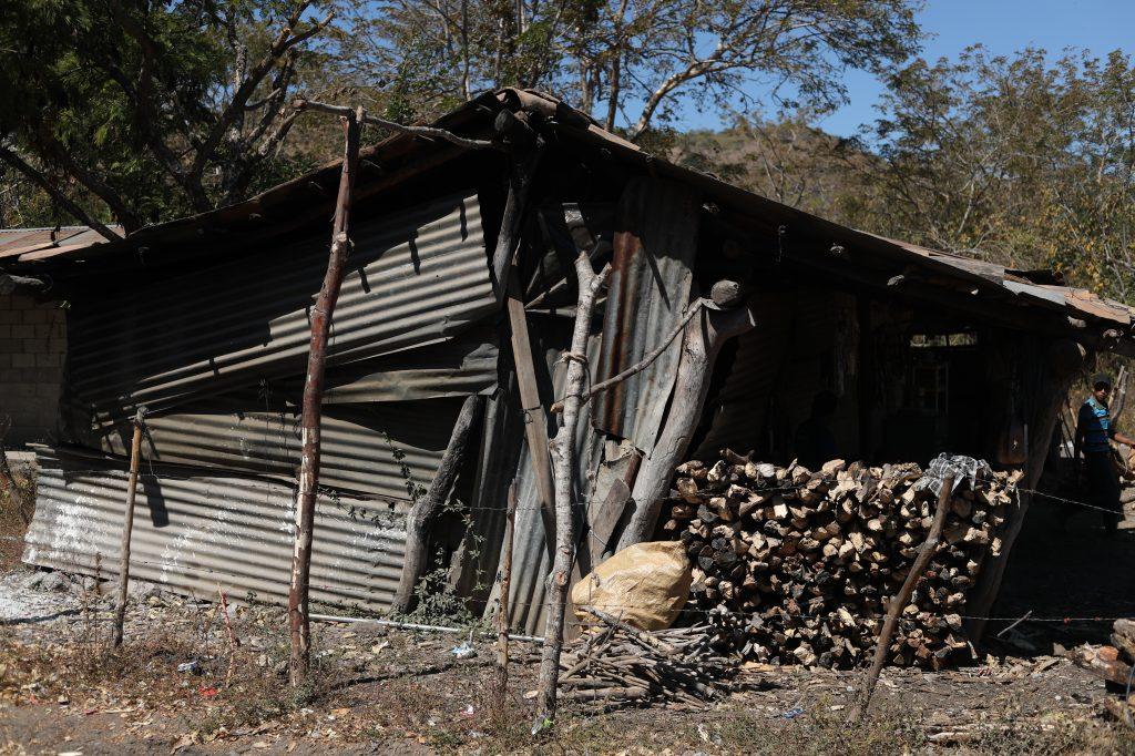 Así son la mayoría de viviendas en Los Magueyes, en San Luis Jilotepeque, Jalapa. Esbin García.