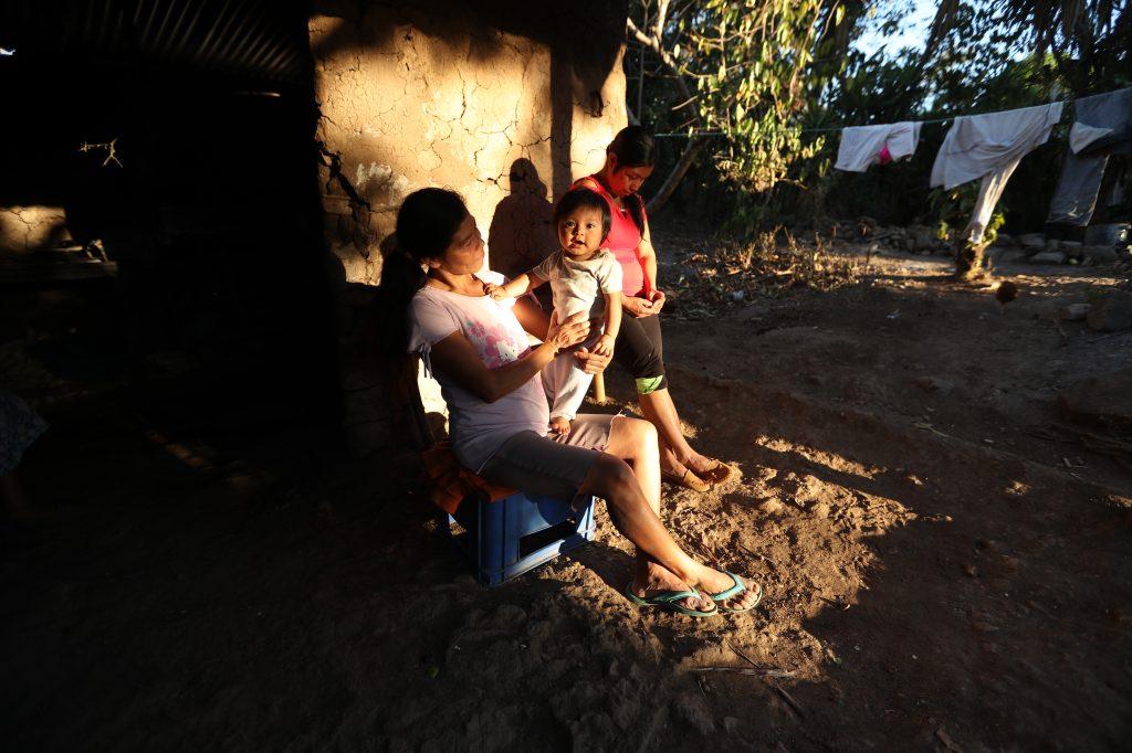 En Comapa, Jutiapa, pocas familias han recibido ayuda. Esbin García
