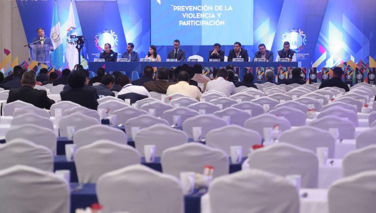 Un centenar de alcaldes asistieron a la Asamblea Ordinaria de la Anam. (Foto Prensa Libre: Erick Avila).