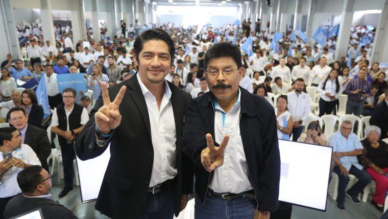 Juan Carlos Eggenberger y Antonio Rodríguez López fueron proclamados como binomio presidencial por el partido Viva (Foto Prensa Libre: Erick Ávila)