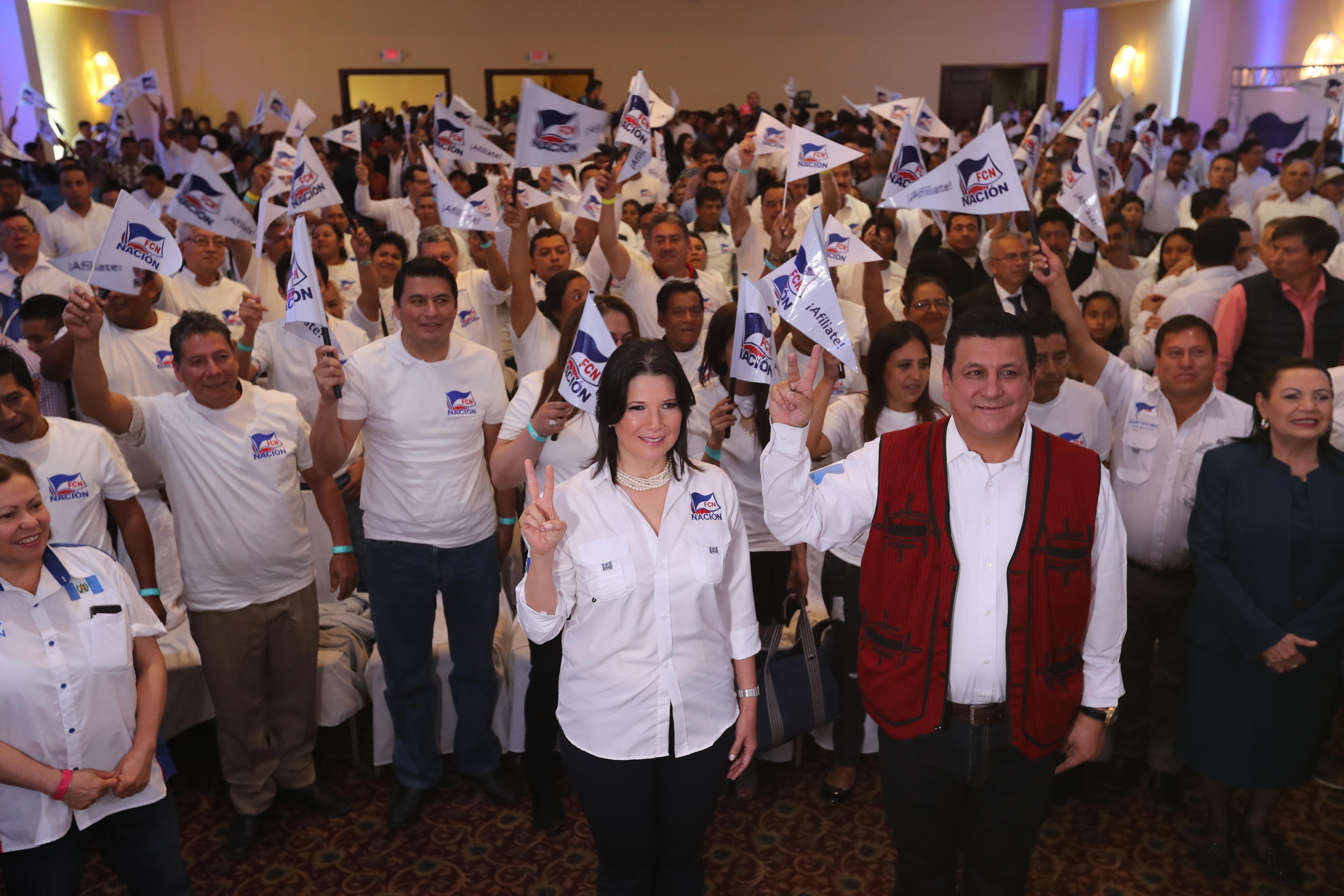 Estuardo Galdámez y Betty Marroquín fueron proclamados como presidenciables por FCN-Nación (Foto Prensa Libre: Erick Avila)