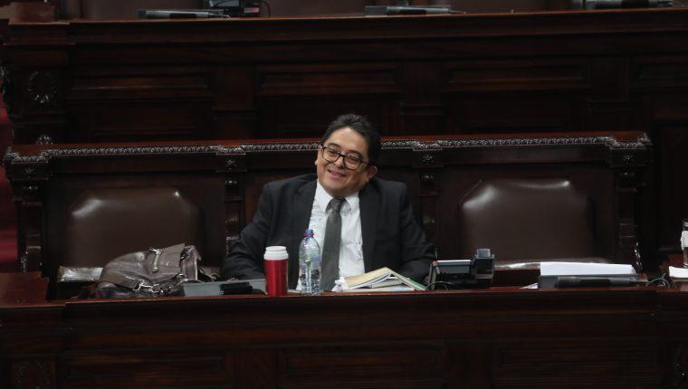 El procurador de los Derechos Humanos fue cuestionado por más de una hora por diputados afines al oficialismo. (Foto Prensa Libre: Erick Ávila)