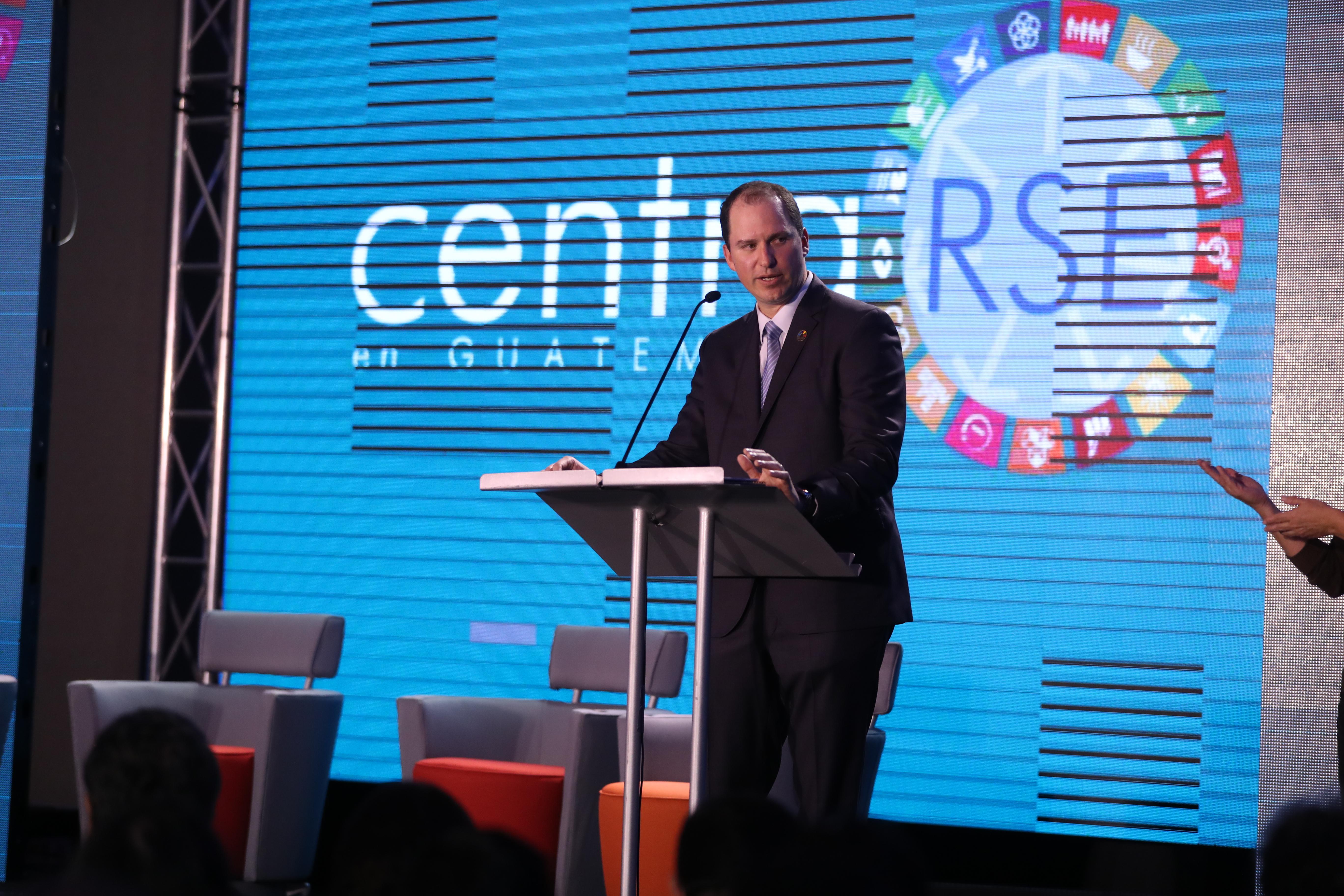 Federico Barquero Presidente de Centrarse, duante el lanzamiento de la Estrategia 2019 con la participación de empresarios socios y aliados. (Foto Prensa Libre: Carlos Hernández)