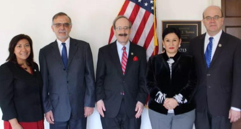 Dos congresistas de EE. UU. piden que se acepte la devolución de los Jeeps J8 donados a Guatemala