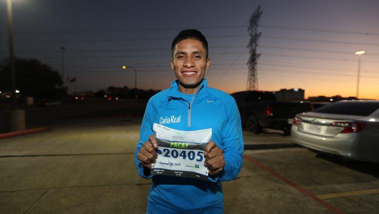 Mario Pacay portará el dorsal 20405, durante su participación en el Medio Maratón de Houston. (Foto Prensa Libre: Francisco Sánchez).