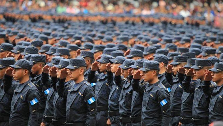 La preparación de los aspirantes a agentes de la Policía Nacional Civil dura en promedio 11 meses. (Foto Prensa Libre: Hemeroteca PL)