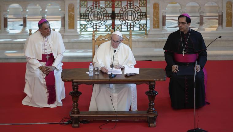 El papa Francisco se reune con los obispos de Centroamérica en la iglesia San Francisco de AsÍs. (Foto Prensa Libre. EFE)