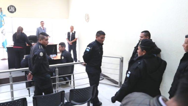 """La captura de 22 policías expone """"problemas graves"""" en la PNC"""
