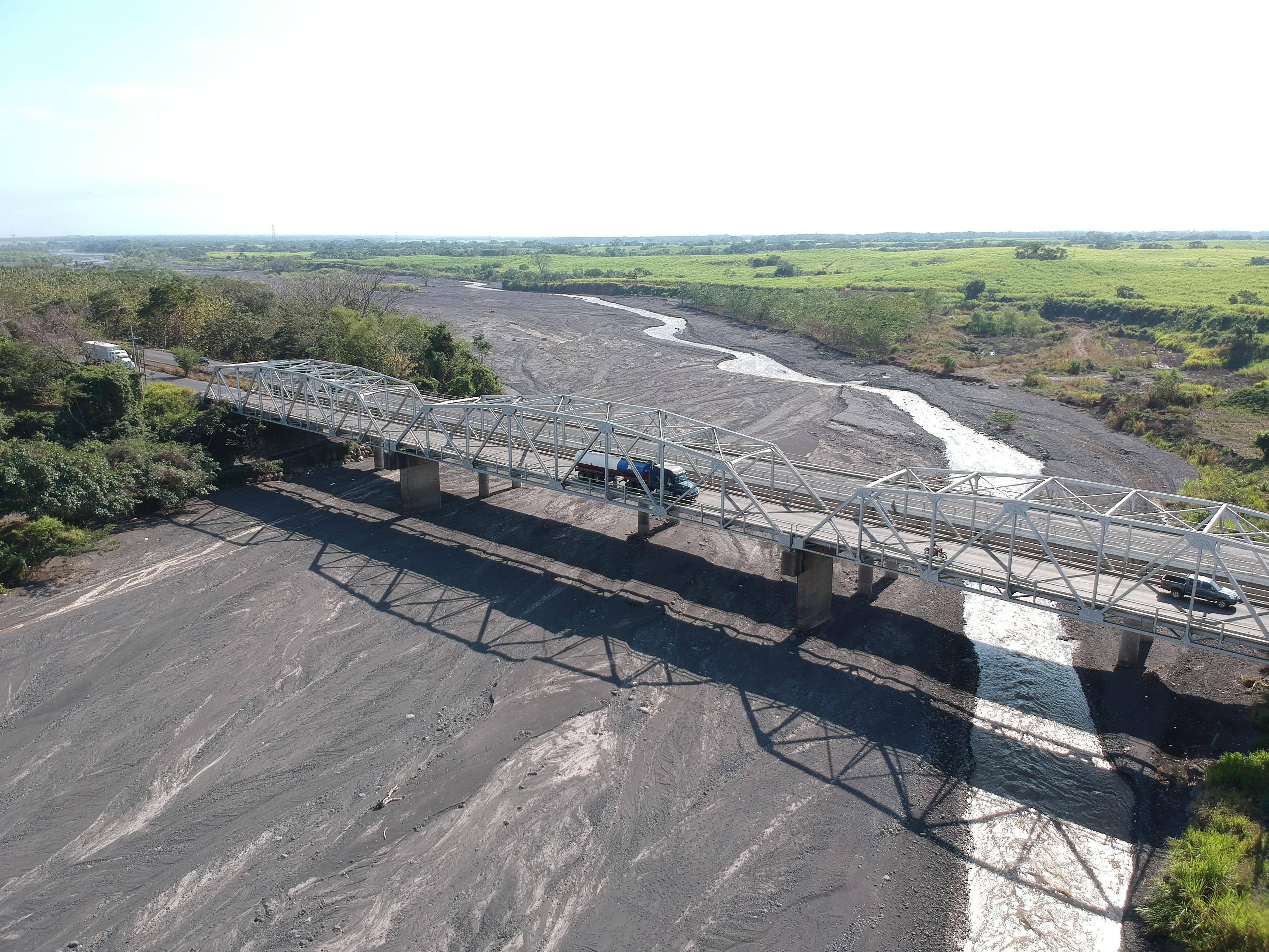 El bajo caudal del río Achiguate afecta a agricultores de la parte sur de Escuintla. (Foto Prensa Libre: Carlos Paredes)