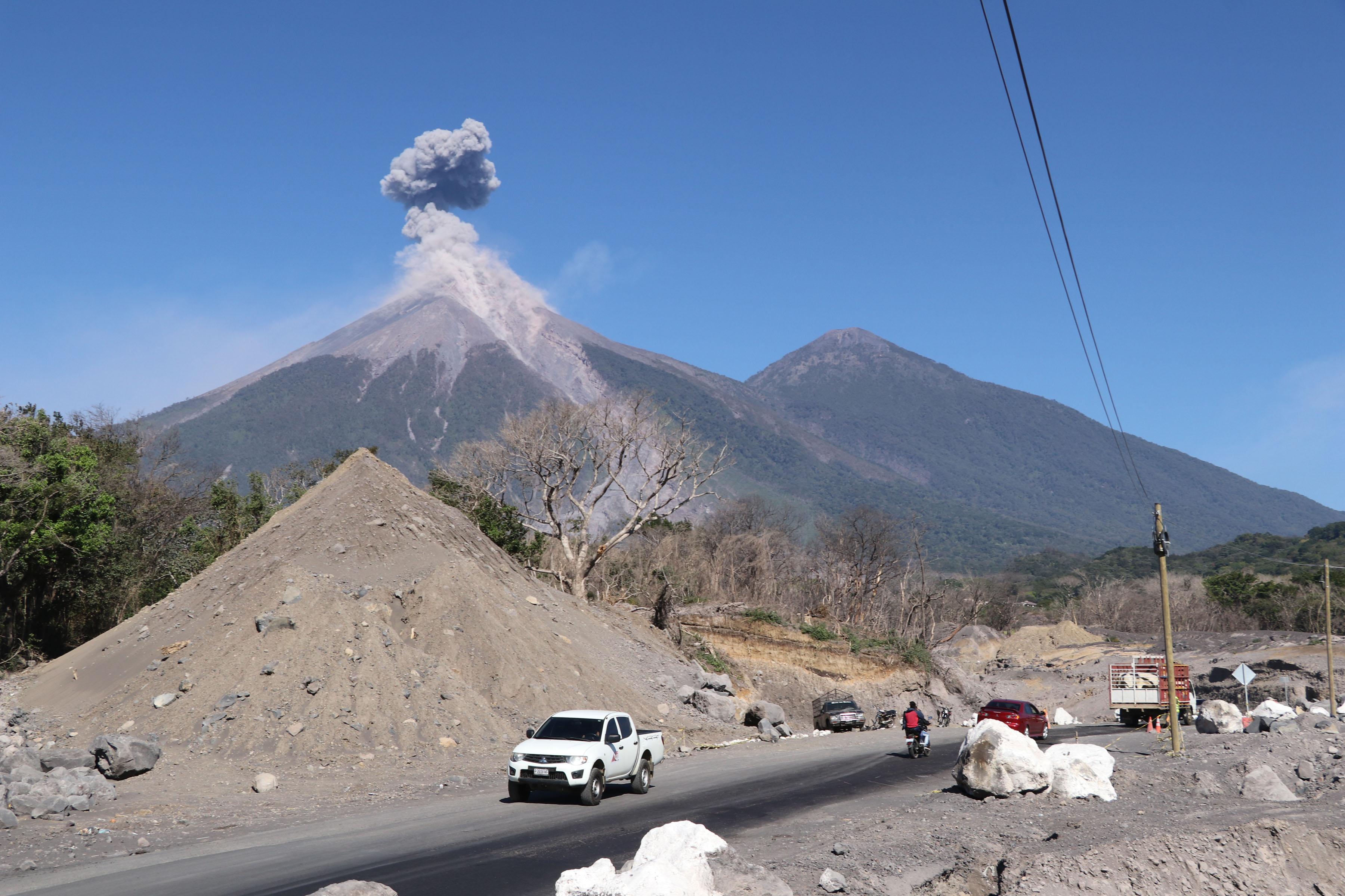 La erupción del Volcán de Fuego, ocurrida el 3 de junio del 2018 en Guatemala, dejó cientos de personas muertas y desaparecidas. (Foto HemerotecaPL)