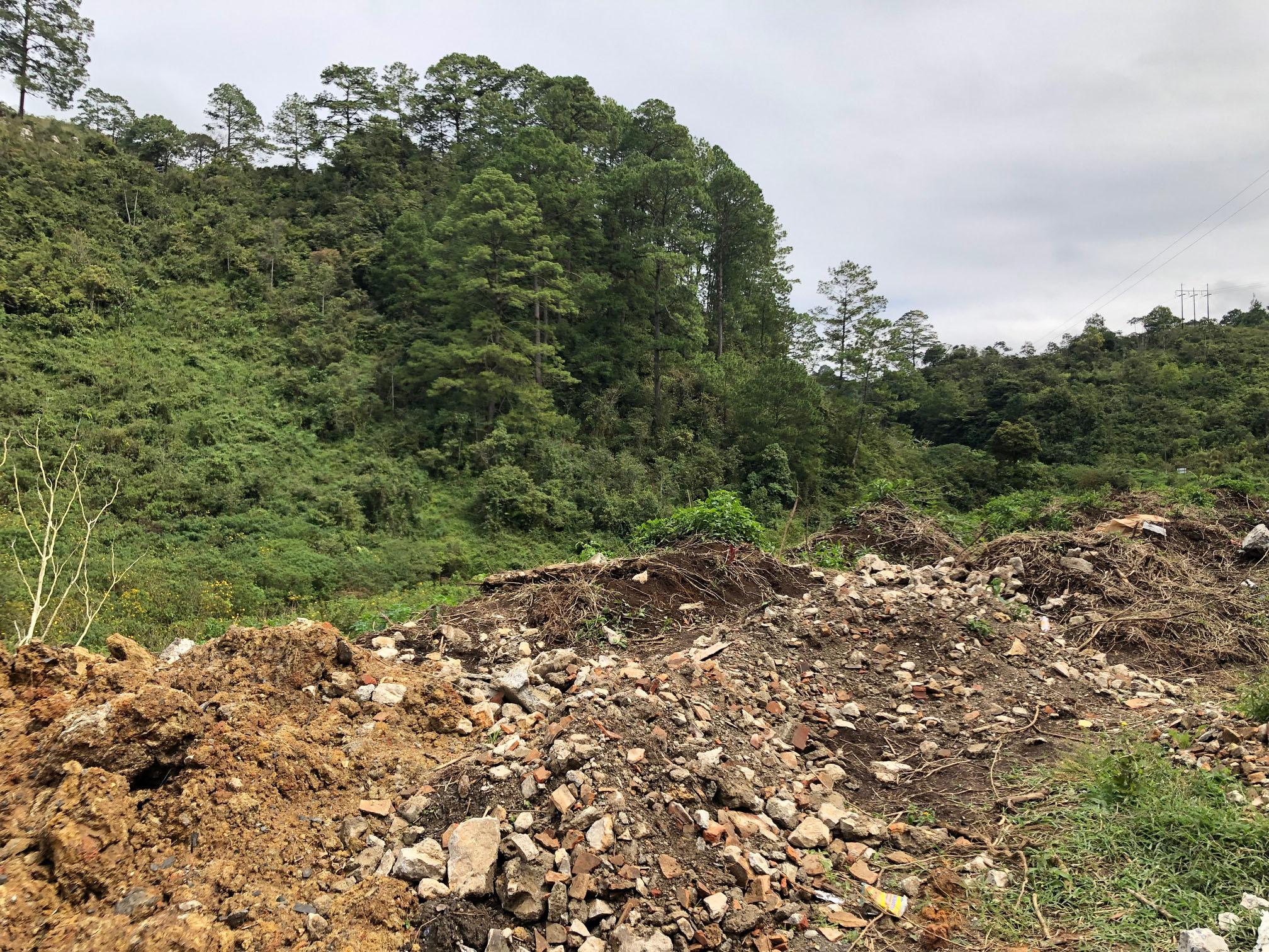 Terreno donde será construida la nueva sede del Intecap en Cobán. (Foto Prensa Libre: Eduardo Sam).