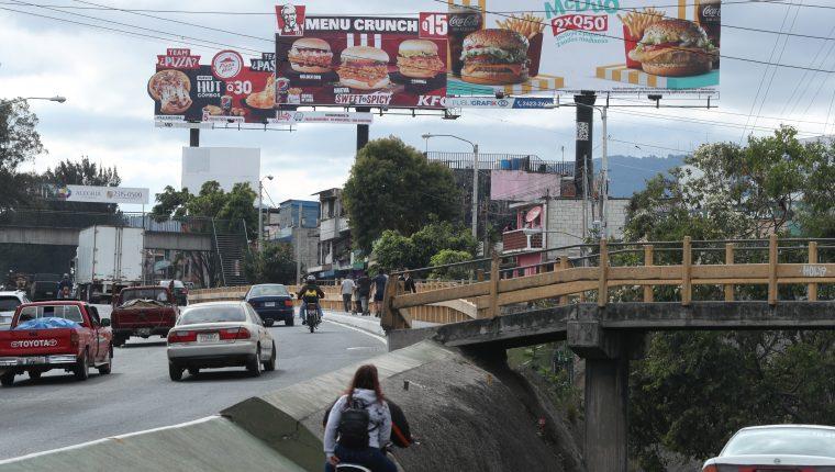 Publicidad de restaurantes donde anuncian ofertas en sus productos.  La publicidad se puede observar en el anillo perifŽrico.                                                                                            Fotograf'a Esbin Garcia 18-01- 2019.