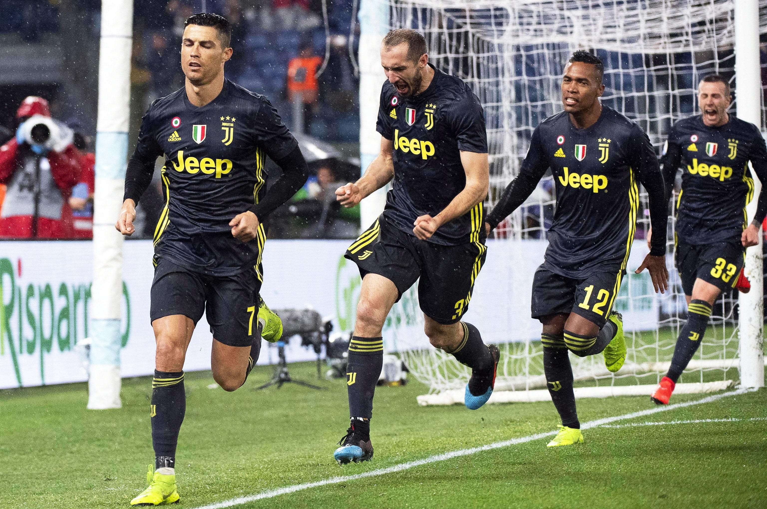 El portugués Cristiano Ronaldo le dio el triunfo a la Juventus. (Foto Prensa Libre: EFE)